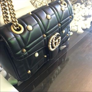 Gorgeous bag in soft leather
